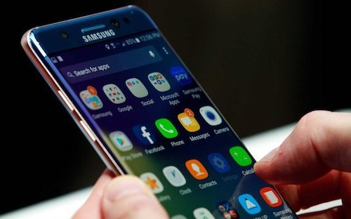 Samsung: 'Chung toi khong lam cham smartphone doi cu' hinh anh 1