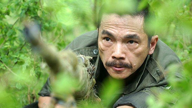 Luong Bong 'Nguoi phan xu' va tai xe taxi xo xat chay mau dau hinh anh 1
