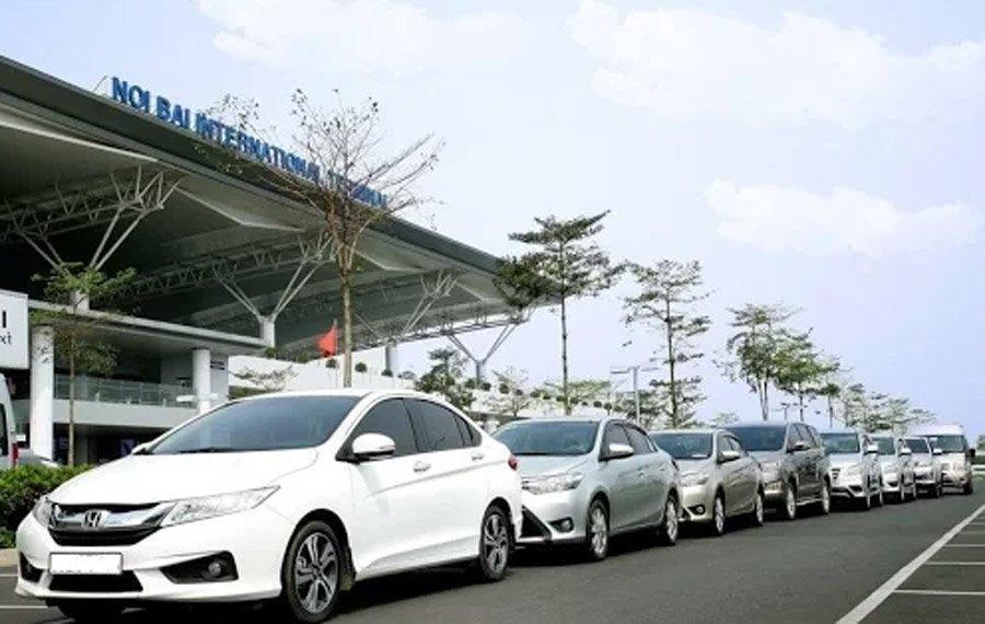 Taxi di Noi Bai 180.000 dong: Tung chieu ha gia tranh khach hinh anh 1