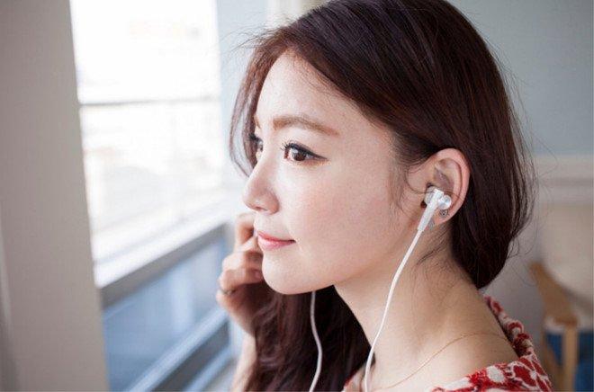 Sai lam khi deo tai nghe khien tai dot ngot bi diec hinh anh 1