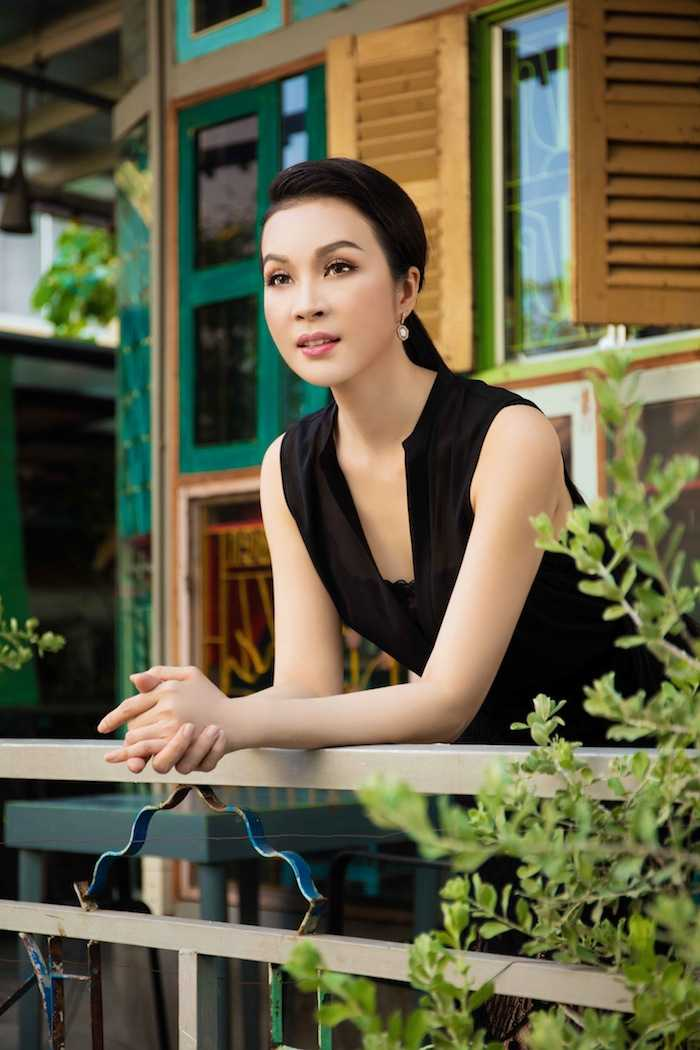 'Bieu tuong sexy' Y Phung kin dao van goi cam ban nang hinh anh 3