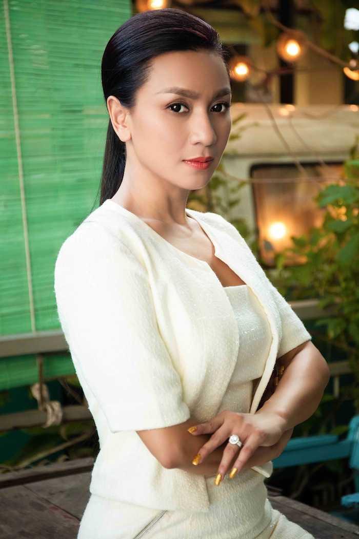 'Bieu tuong sexy' Y Phung kin dao van goi cam ban nang hinh anh 4