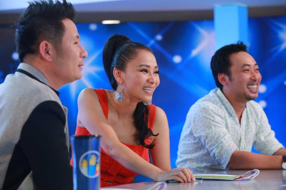 Truc tiep tap 2 Vietnam Idol 2016: Cuoi chay nuoc mat voi nhung 'tham hoa am nhac' hinh anh 1