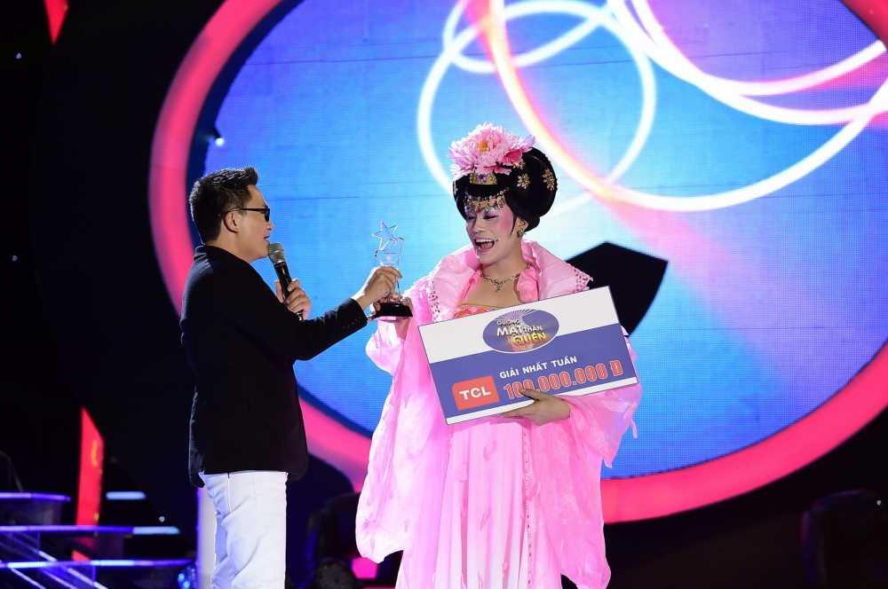 Guong mat than quen 2016: Hoai Linh 'che' My Linh beo 'day da', de nhieu hinh anh 5