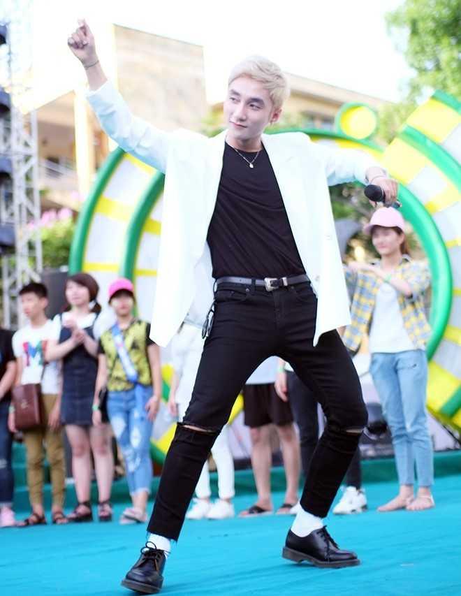 Son Tung M-TP chieu fan the hien vu dao khong giong ai hinh anh 4