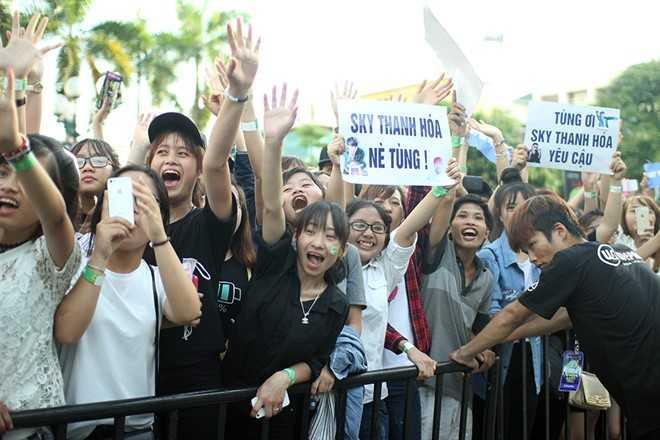 Son Tung M-TP chieu fan the hien vu dao khong giong ai hinh anh 9