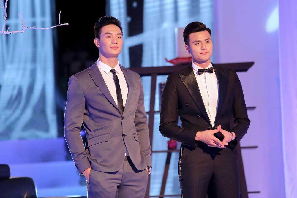Hau truong The Face: Pham Huong, Khanh Ngan tung chieu 'cua do' trai dep hinh anh 3