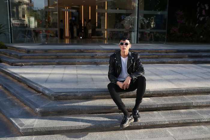 Lan Khue khoe street style cuc 'chat' o dia diem 'hot' nhat Sai Thanh hinh anh 13