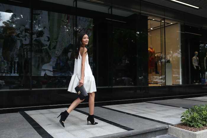 Lan Khue khoe street style cuc 'chat' o dia diem 'hot' nhat Sai Thanh hinh anh 14