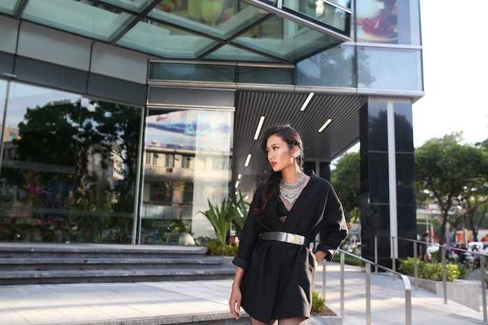 Lan Khue khoe street style cuc 'chat' o dia diem 'hot' nhat Sai Thanh hinh anh 7