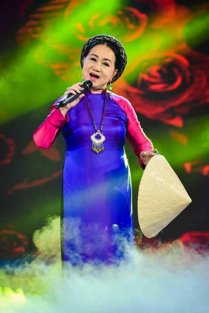 Duoc Ho Van Cuong dong vien, Phi Nhung tre ra 10 tuoi hoa son nu hinh anh 4