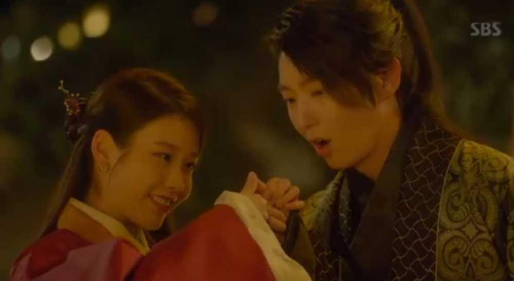 Nguoi tinh anh trang tap 18: Bi Hae Soo tu hon, Wang So cuoi Yeon Hwa giu ngoi vua hinh anh 5
