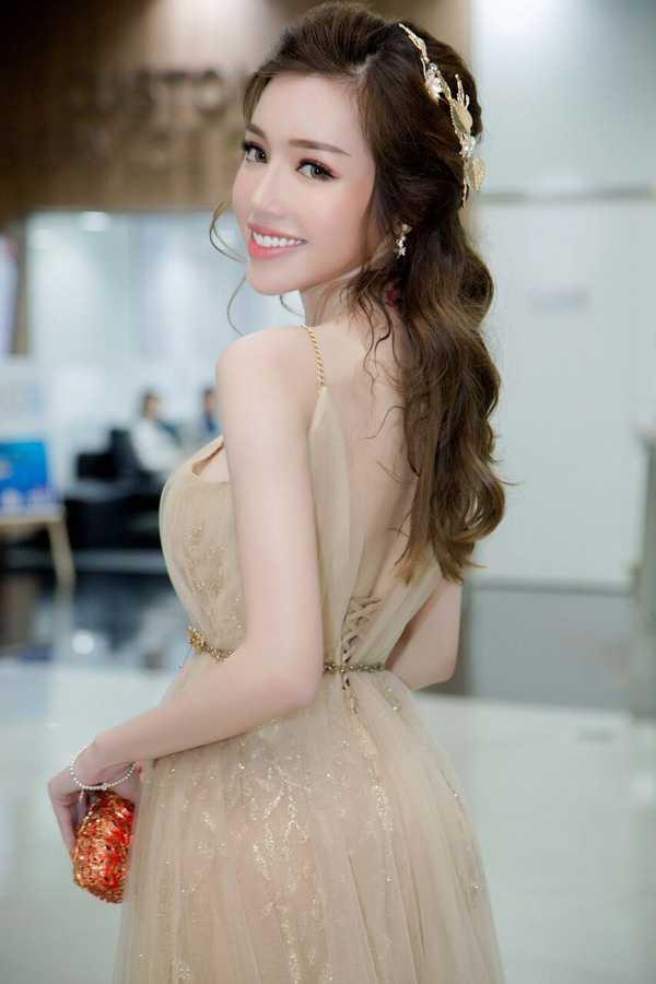 Elly Tran than thiet ben nghe sy saxophone Minh Tam Bui hinh anh 10