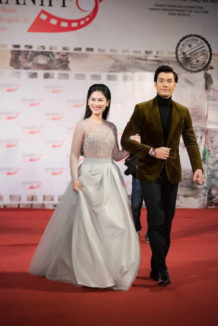 Hoa hau My Linh kin dao ben dan chi Ngoc Han goi cam hinh anh 8