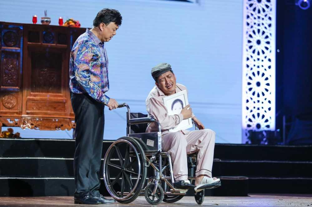 Truong Giang - Nha Phuong mac ao dai doi, au yem tinh tu trong hau truong hinh anh 13