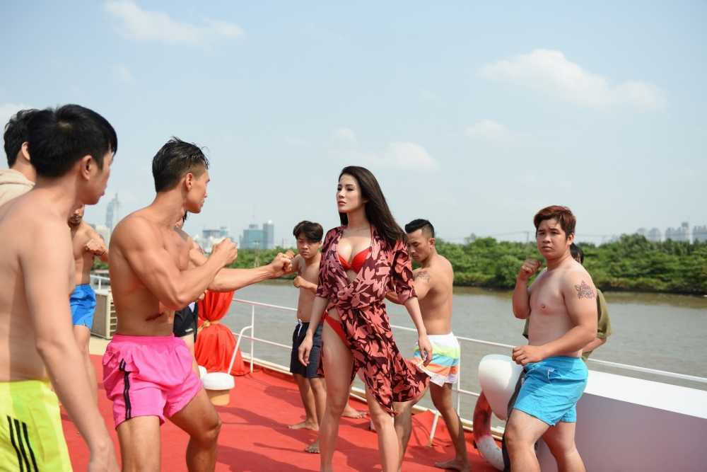 Thai Hoa danh 'vo ngu' hai huoc khong thua Jackie Chan hinh anh 2