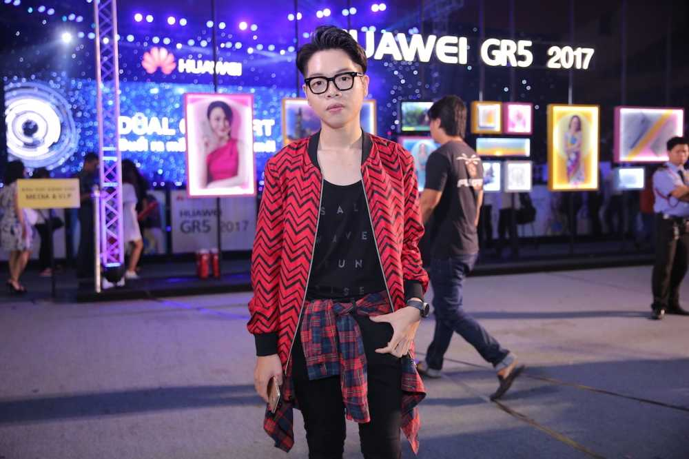 My Tam dien dam om sat, Trang Phap tu tin hat ca khuc gay scandal voi Son Tung hinh anh 5