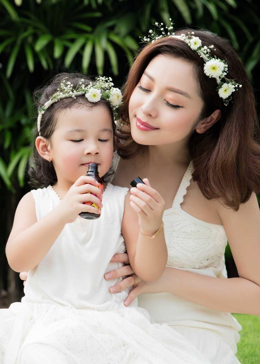 Jennifer Pham tang can 'chong mat' o thang thu 7 thai ky hinh anh 3