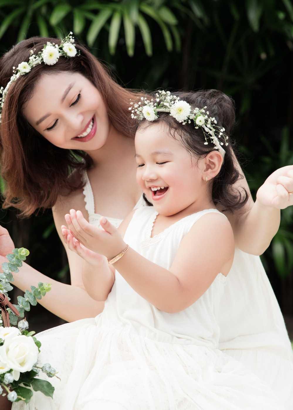 Jennifer Pham tang can 'chong mat' o thang thu 7 thai ky hinh anh 4