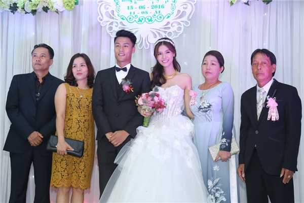 Tran Thanh - Hari Won lot top dam cuoi 'hot' nhat 2016 hinh anh 10