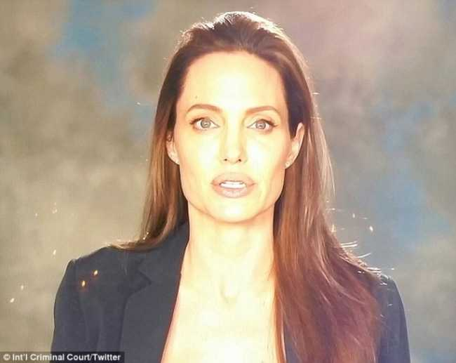 Angelina Jolie gio day chi con 34 kg du cao gan 1m70? hinh anh 14