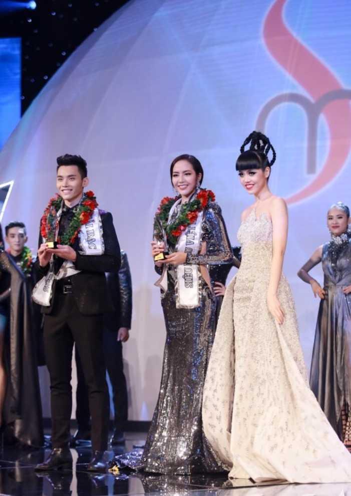 MC dien trai nhat VTV: 'Duoc bau show hang dau Dai Loan phat hien khi di lam phuc vu' hinh anh 5