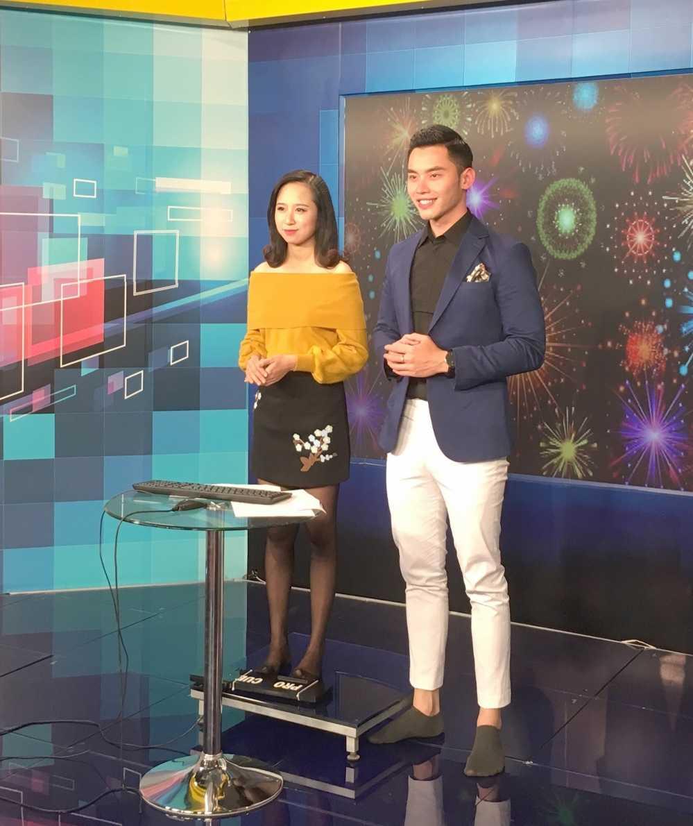 MC dien trai nhat VTV: 'Duoc bau show hang dau Dai Loan phat hien khi di lam phuc vu' hinh anh 9
