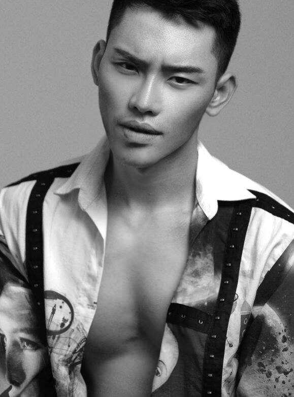 MC dien trai nhat VTV: 'Duoc bau show hang dau Dai Loan phat hien khi di lam phuc vu' hinh anh 1