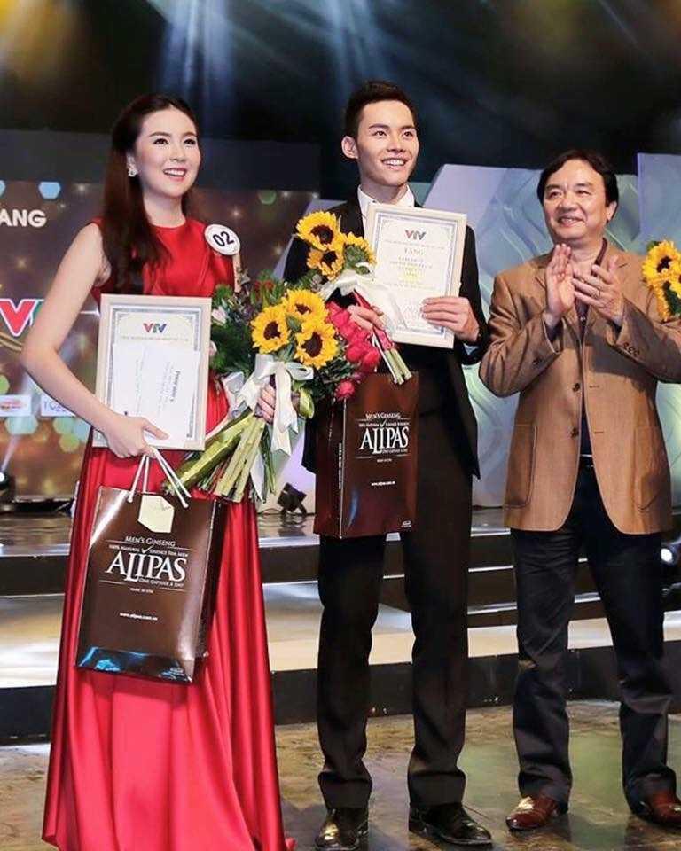 MC dien trai nhat VTV: 'Duoc bau show hang dau Dai Loan phat hien khi di lam phuc vu' hinh anh 6