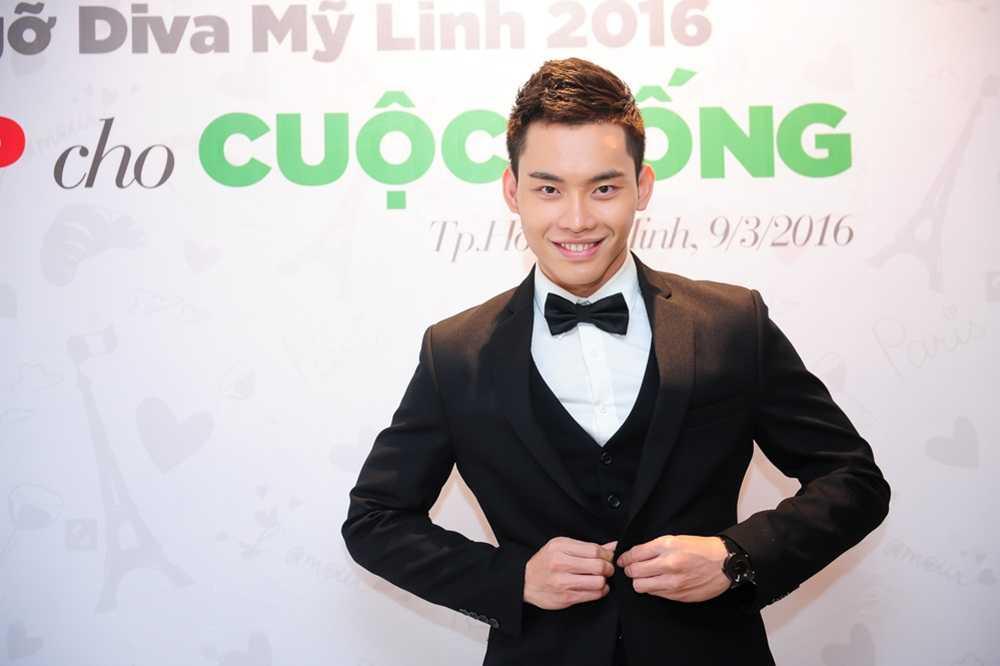 MC dien trai nhat VTV: 'Duoc bau show hang dau Dai Loan phat hien khi di lam phuc vu' hinh anh 10