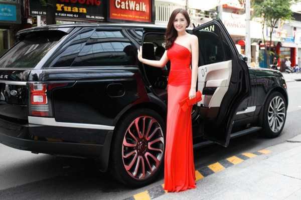 Mai Phuong Thuy doi xe sang nhu thay ao, mua hang hieu khong tiec tien hinh anh 19