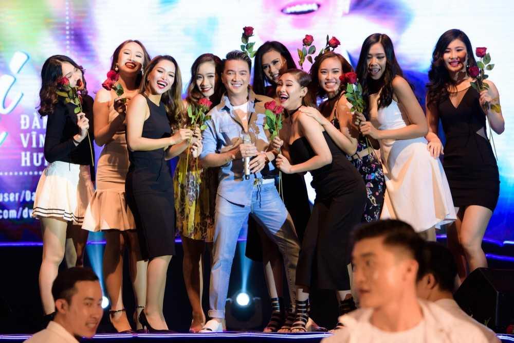 Dam Vinh Hung tuyen bo muon lam liveshow vong quanh Chau A hinh anh 12