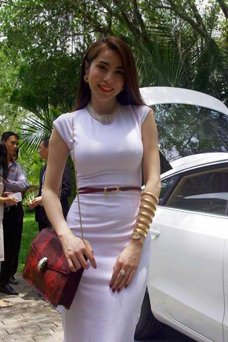 Nhung chieu tao scandal 'danh bong' ten tuoi cua Thuy Tien hinh anh 11