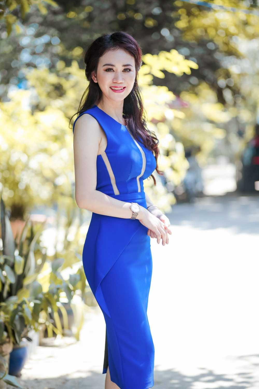 Mr. Dam cung Hoa hau My Van doi nang di lam tu thien hinh anh 4