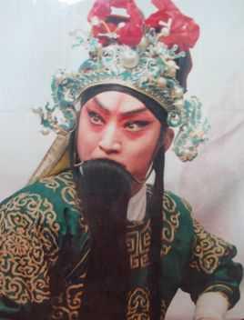 Bat ngo cuoc song 'anh em Cao Cau' cua Thuy Hu sau 18 nam hinh anh 2