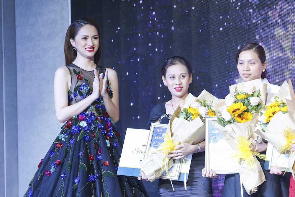 My nhan chuyen gioi Huong Giang Idol dien dam xuyen thau goi cam hinh anh 11