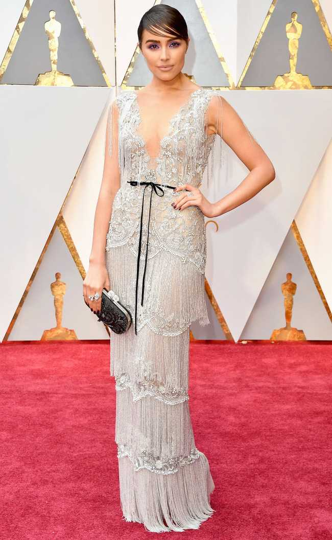 Oscar 2017: Thanh Long om thu bong gau truc, Scarlett Johansson khoe vong mot sexy hinh anh 14
