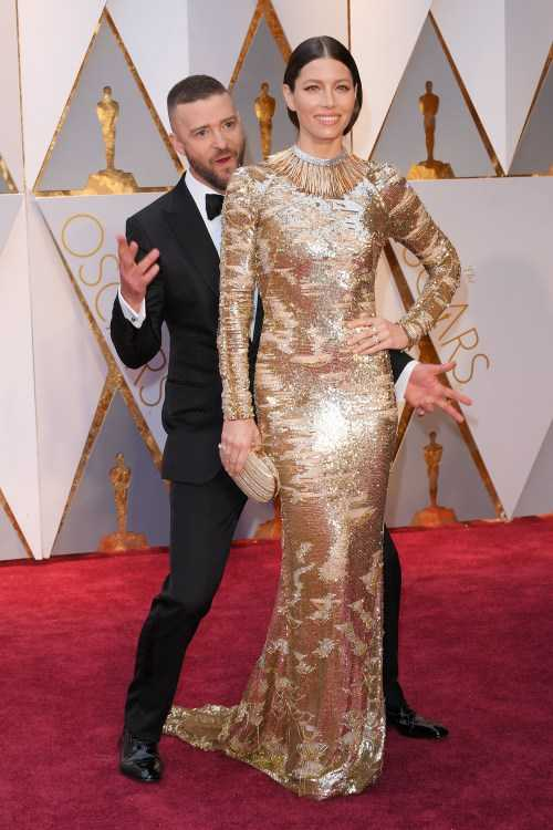 Oscar 2017: Thanh Long om thu bong gau truc, Scarlett Johansson khoe vong mot sexy hinh anh 18
