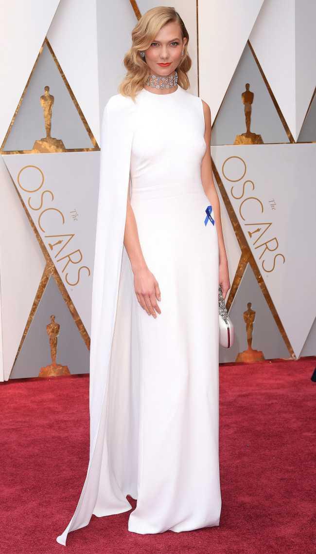 Oscar 2017: Thanh Long om thu bong gau truc, Scarlett Johansson khoe vong mot sexy hinh anh 13