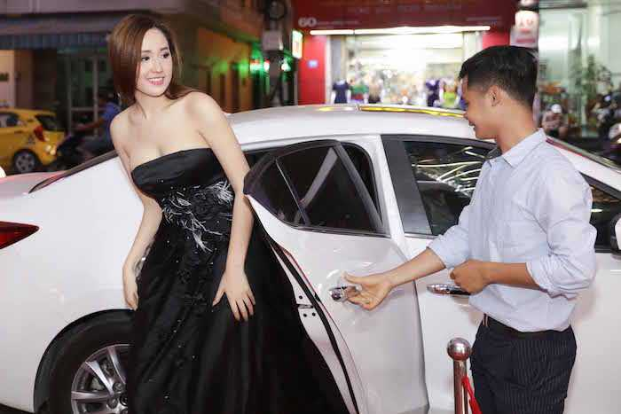 Hoa hau Mai Phuong Thuy dien dam cup nguc tre nai khoe ve sexy hinh anh 1