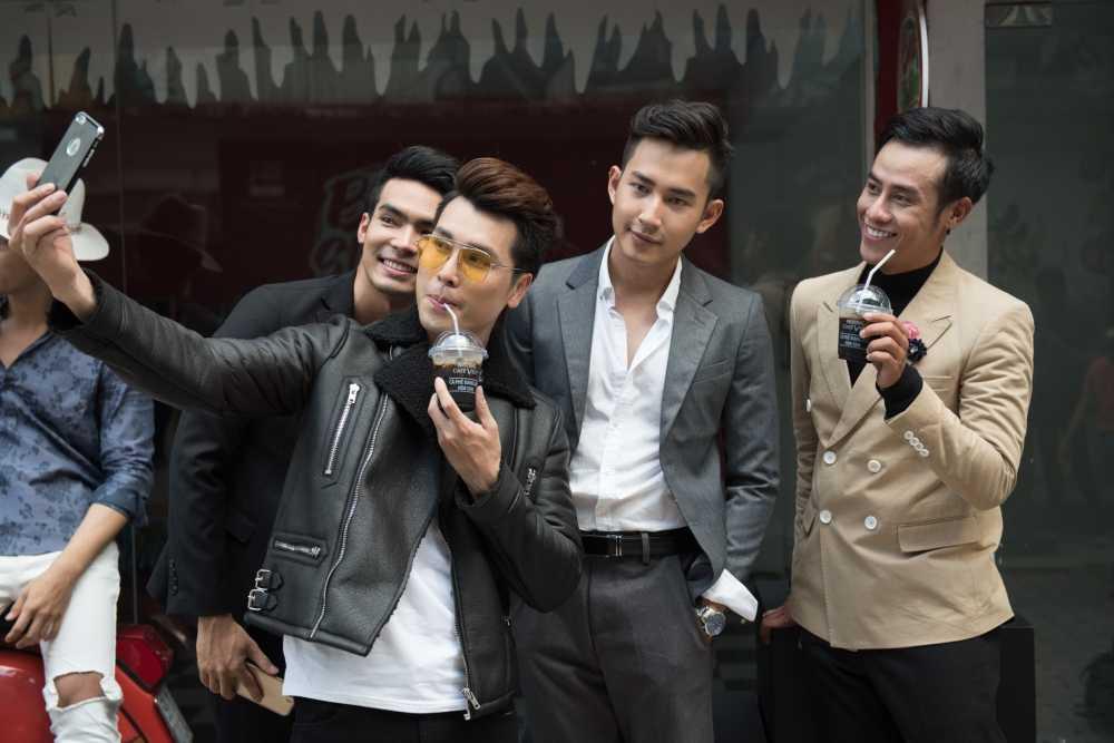 Sau on ao voi Son Tung, stylist Hoang Ku gay 'sot' voi gu thoi trang 'khong giong ai' hinh anh 7