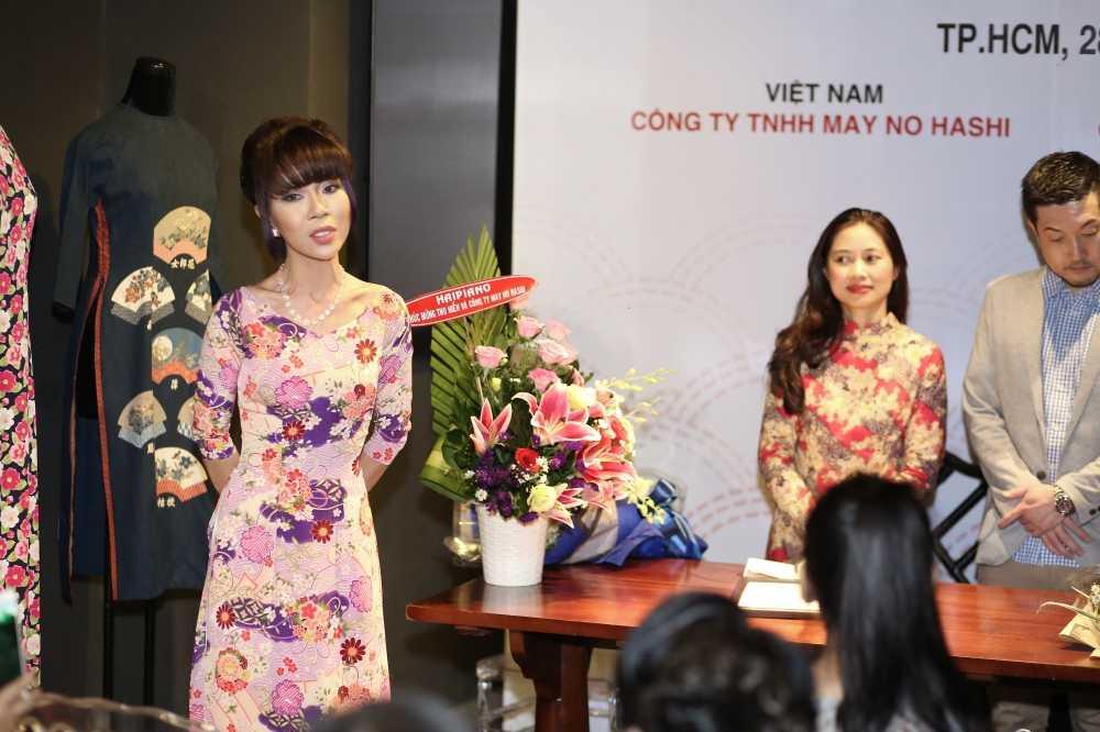 Hoa hau Huong Giang khien khan gia xao xuyen khi tai xuat hinh anh 11