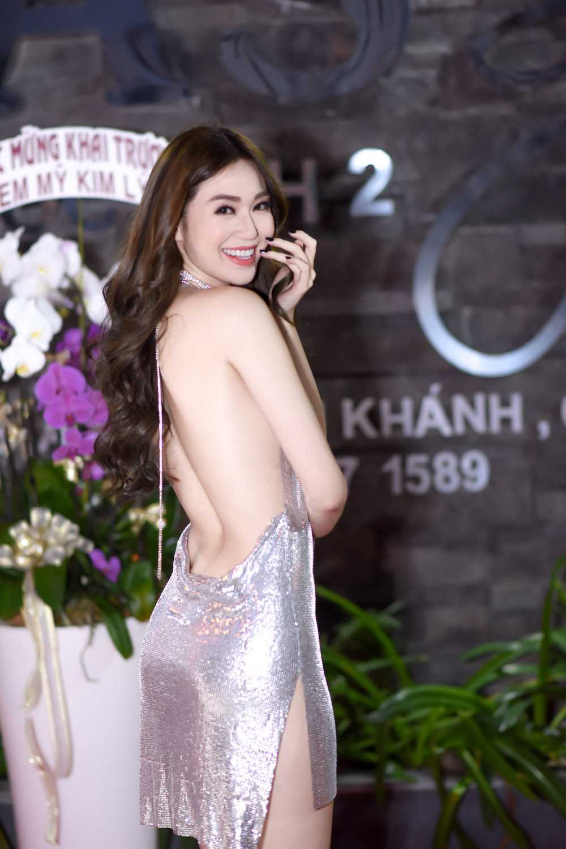 Khanh My 'mac cung nhu khong', lan at Mai Phuong Thuy kin dao hinh anh 6