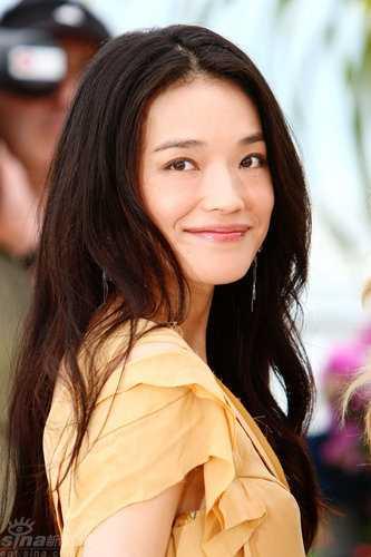 Nhan sac Angela Phuong Trinh duoc fan so sanh voi Duong Mich, Thu Ky hinh anh 3