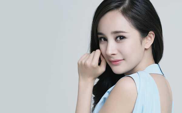 Nhan sac Angela Phuong Trinh duoc fan so sanh voi Duong Mich, Thu Ky hinh anh 5