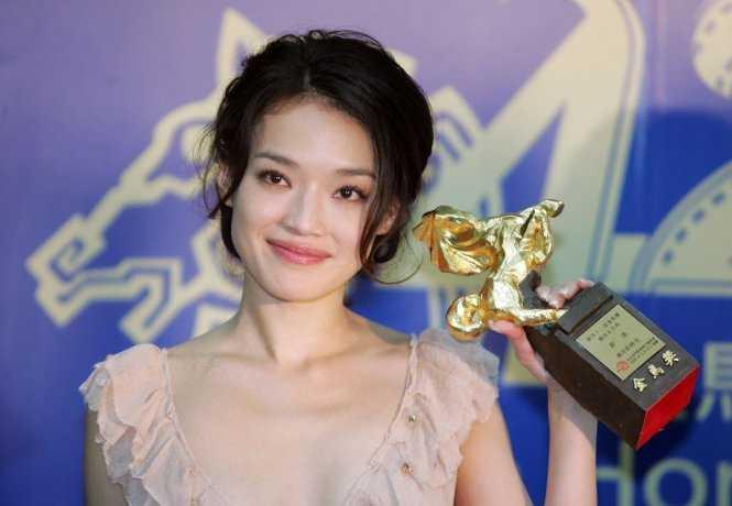 Nhan sac Angela Phuong Trinh duoc fan so sanh voi Duong Mich, Thu Ky hinh anh 2