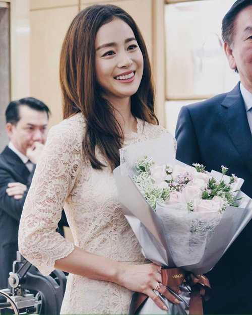 Kim Tae Hee có chòng càng mạn mà, duyen dáng hinh anh 6