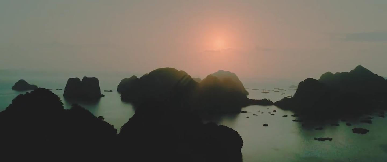 MC Thanh Trung 'khoa moi' vo 9X sap cuoi o noi quay 'Kong: Skull Island' hinh anh 3