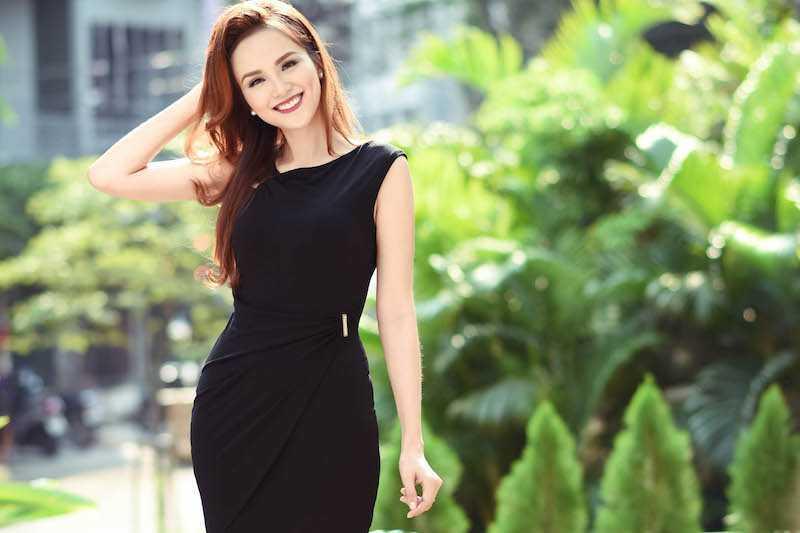 Hoa hau Diem Huong, Duong Yen Ngoc sexy di thu do hinh anh 6