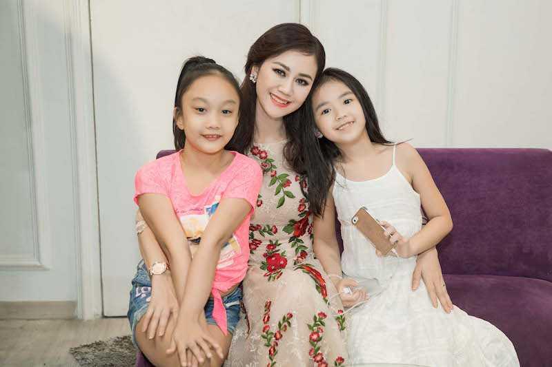 Hoa hau Diem Huong, Duong Yen Ngoc sexy di thu do hinh anh 9